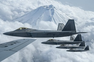 F-22 iwakuni3.jpg