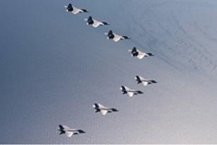 F-22 iwakuni4.jpg