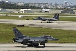 Kadena-F16F15.jpg